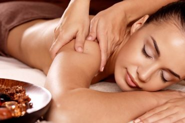 holistic_massage_2_024b0b99-4097-4e6d-9881-607ac72a309d_1024x1024